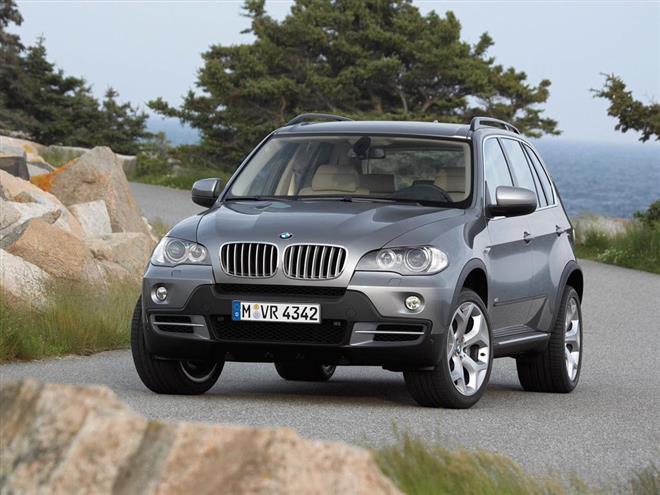 Были опубликованы первые компьютерные рисунки BMW X5 следующего поколения.