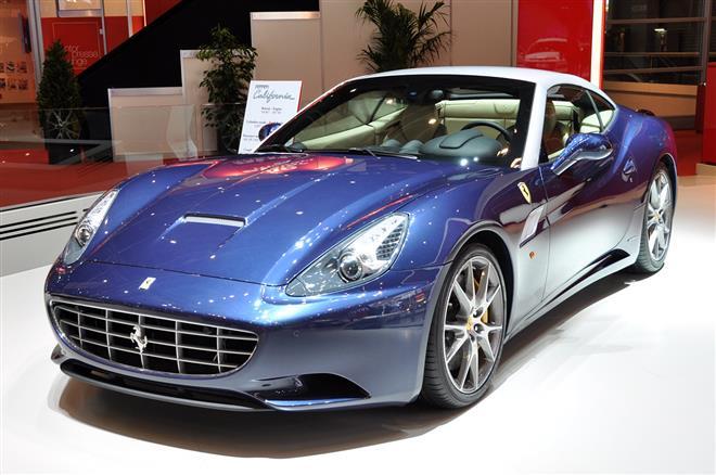 Ferrari показал обновленную California в Женеве