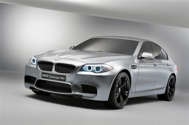 BMW Concept M5 имеет несколько режимов езды