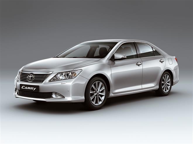 Тойота Камри 2012 наконец представлена покупателям
