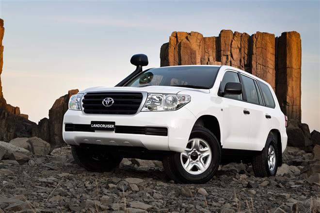 Toyota Land Cruiser GX - новая версия японского внедорожника