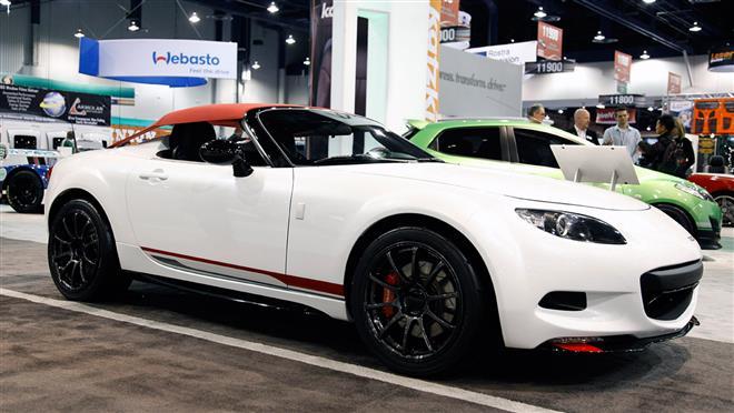Спайдер Mazda MX-5 был представлен на тюнинг-шоу