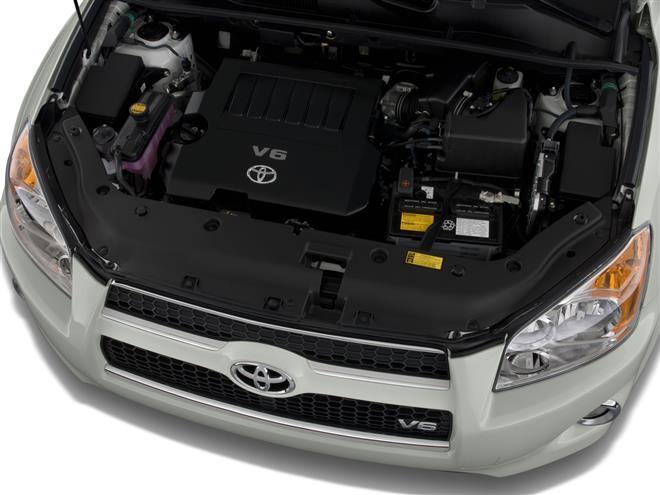 Toyota: поставки автомобилей и запчастей в Россию и Европу не прервутся