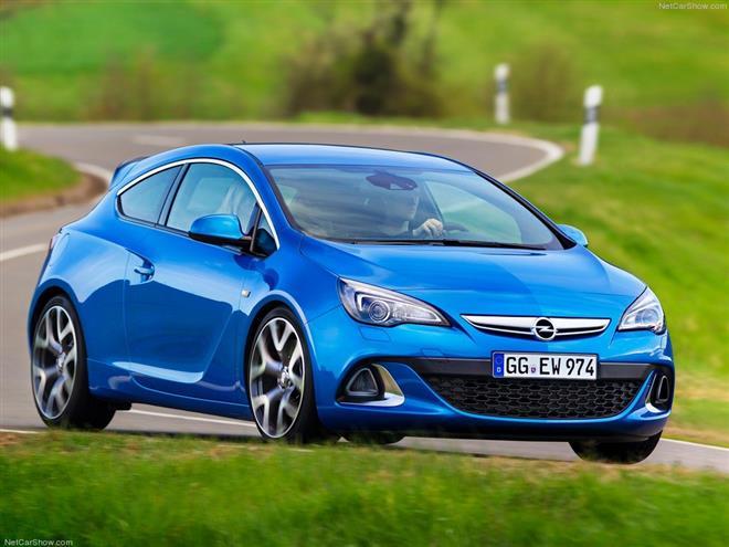 Opel Astra OPC 2012 - компактный хэтчбек с мощным двигателем
