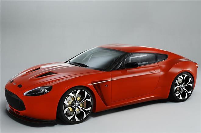 Уникальный спорткар V12 Zagato от Aston Martin дебютировал на выставке
